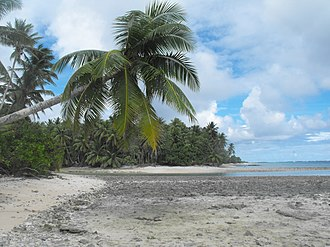 Beach scenery at the islet of Eneko, Majuro Eneko Islet 12.JPG