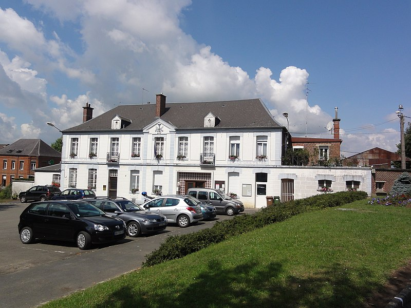 Englefontaine (Nord, Fr) mairie, postes, salle des fêtes