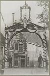 foto van Hoekhuis met verdieping en schilddak