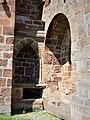Espalion église Perse enfeus.jpg