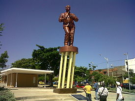 Estatua Joe Arroyo.jpg