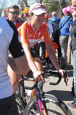 Evelyn Stevens in de Waalse Pijl 2016