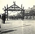 Fényi utca (Strada Uzinei), gyalogság, a magyar csapatok bevonulása idején. Fortepan 76926.jpg