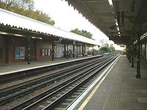 Fairlop tube station - Image: Fairlop south