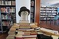 Fernando Pessoa. Biblioteca Castanheira dos Vinos Portugal.jpg