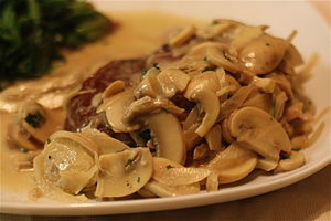 Mushroom sauce - Image: Filet mignon with mushroom cream sauce
