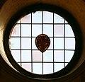 Firenze, santa croce, ala del noviziato, vetrata con stemma medici.jpg