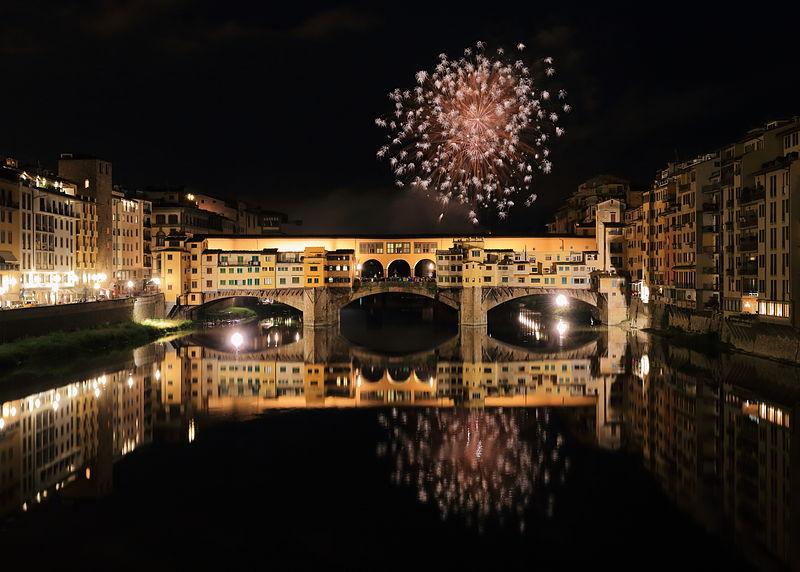 File:Fireworks over Ponte Vecchio 3.JPG