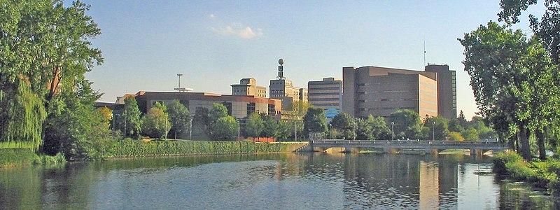 File:Flint skyline2.jpg