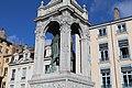Fontaine St Jean Lyon 12.jpg