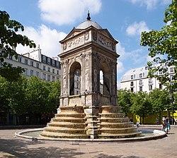 Place Joachim-du-Bellay und die Fontaine des Innocents im Zentrum des quartier des Halles