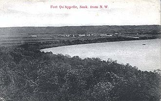 Fort Qu'Appelle - Fort Qu'Appelle from the northwest with the eastern shore of Echo Lake, circa 1905