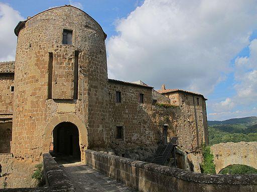 Fortezza Orsini (Sorano) 01