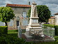 France - 17 - Ternant - Mairie et Monument aux Morts.JPG