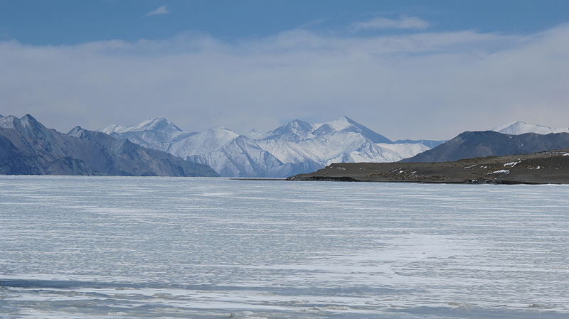File:Frozen Pangong Lake.JPG