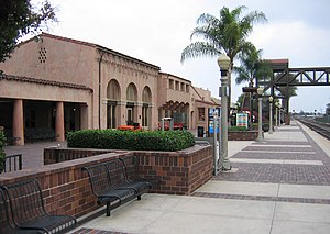 Fullerton Transportation Center - Fullerton Train Station, trackside