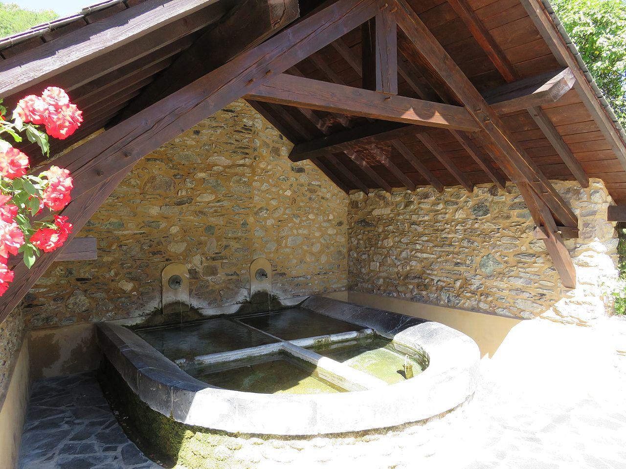 Garanou, Ariège, Lavoir.jpg