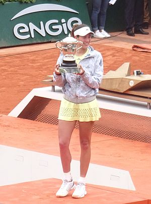 2016 WTA Tour - Image: Garbiñe Muguruza Roland Garros 2016