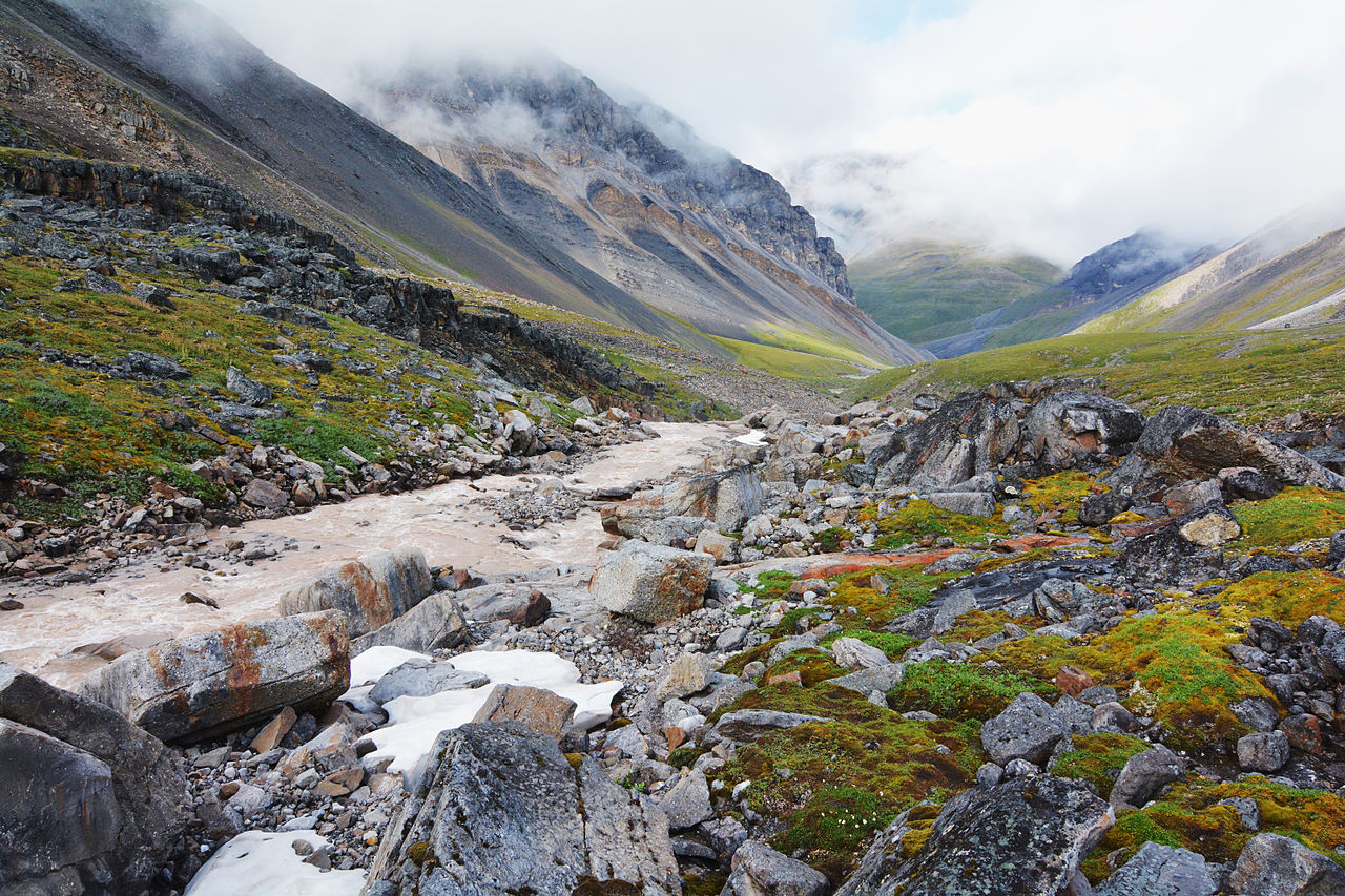 File:Gates of the Arctic National Park, Brooks Range ...