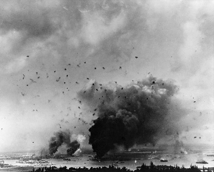 File:General view of Pearl Harbor during the Japanese attack 1941.jpeg