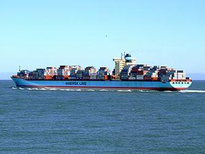Georg Maersk p06, leaving Port of Rotterdam, Holland 04-Aug-2007.jpg