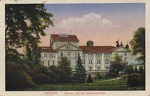 Theater Gießen - Seitenansicht von Süden ab 1906