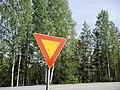 Give way road sign Finland 20180524.jpg