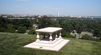 Pierre Charles L'Enfant - The gravesite of Pierre (Peter) Charles L'Enfant in Arlington National Cemetery below Arlington House, overlooking the Potomac River and Washington, D.C. (2008)