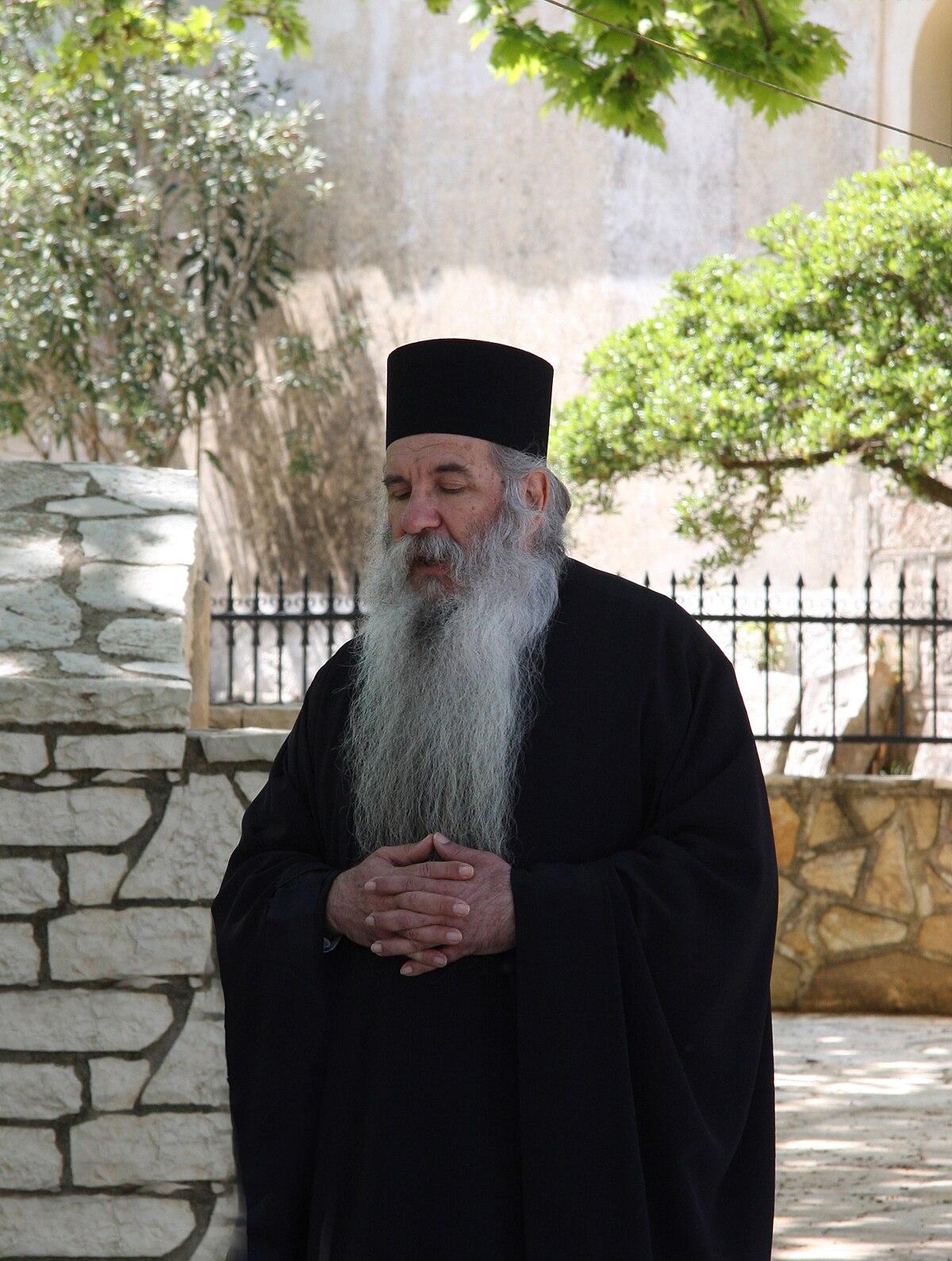 Священник — Википедия