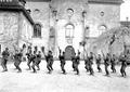 Gruppe von Infanteristen beim Bajonettfechten - CH-BAR - 3238131.tif