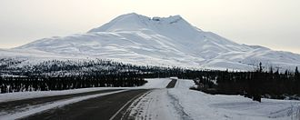 Glenn Highway - Image: Gunsight Mountain Glenn Highway 2