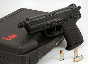 Heckler & Koch HK45 - Image: HK45C Threaded Barrel