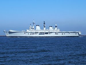 HMS Illustrious (R06) at Port of Amsterdam, 02Mar2009 p6.JPG