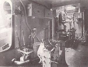 HMS Repulse (1892) - Image: HMS Repulse (1892) barbette interior