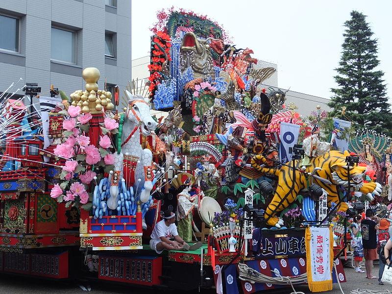 ファイル:Hachinohe Sansha Taisai Festival, 2 August 2014-002.JPG