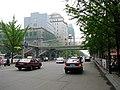 Hai Hua pedestrian overpass 海华桥 - panoramio.jpg