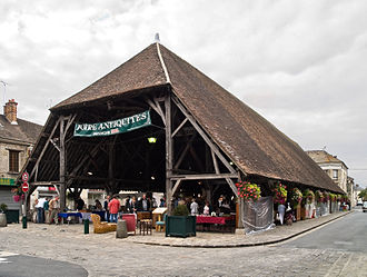 Milly-la-Forêt - The market hall