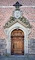Heliga trefaldighets kyrka - norra porten.jpg