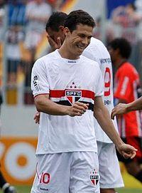 Hernanes (2010).JPG