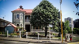 Grafton, New Zealand - Hum Salon operating at the Basley-Bush House / Rothesay at 123 Grafton Road, February 2015