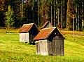 Hut With Grave Stone - panoramio.jpg