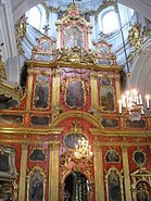 Iconostasis in St. Andrew's Church.JPG