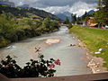 Il torrente Avisio nei pressi di Soraga, Italia.jpg