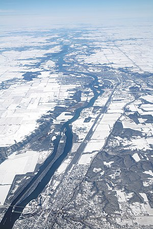Aerial image of the Illinois river between Mar...