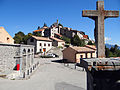 Ilonse - Place du village devant le lavoir.JPG