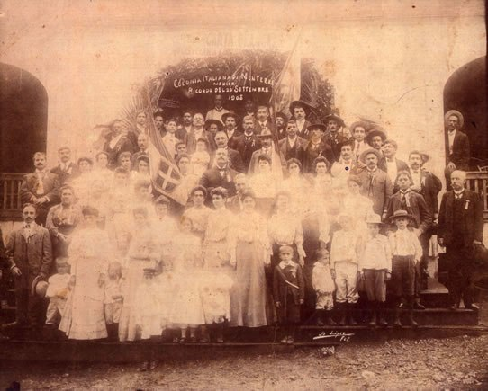 Large group photograph of people of all ages