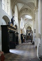 Interior of Salvator Church Prague 2.jpg