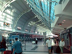International airport toronto pearson.jpg