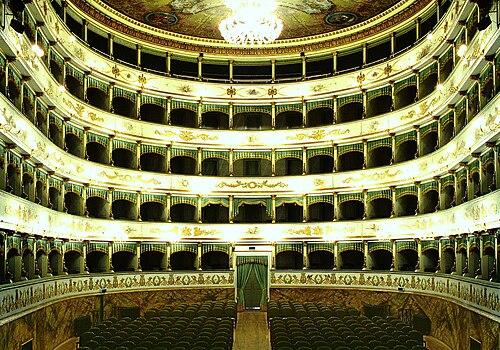 """Interno del Teatro Comunale """"Alessandro Bonci"""" di Cesena."""