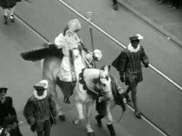 Polygoonjournaal over de intocht van Sinterklaas in Amsterdam in 1959.: nl.wikipedia.org/wiki/Intocht_van_Sinterklaas
